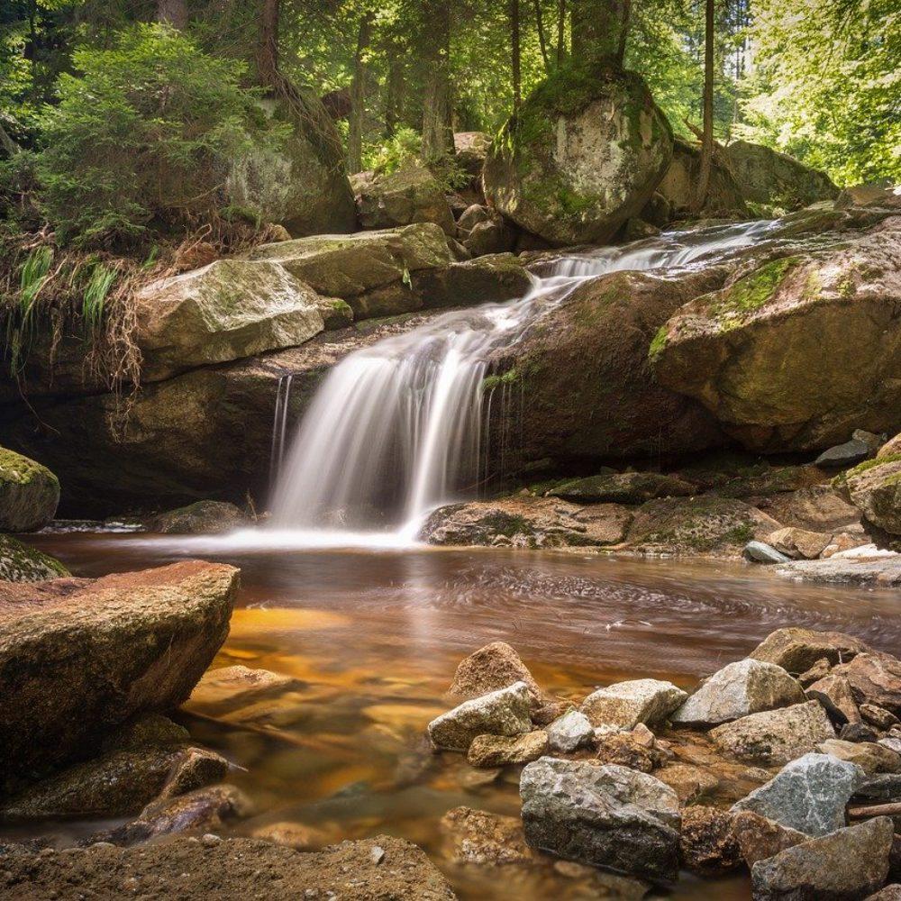 Outdoor Wasserfilter: Wie komme ich unterwegs an Trinkwasser?