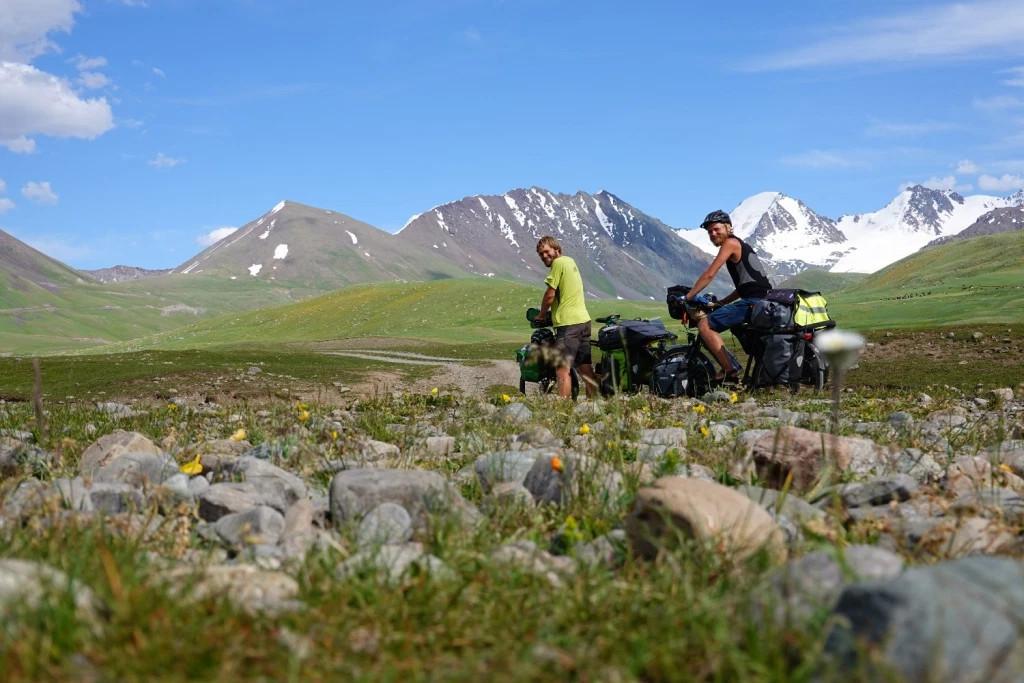 Pedalbrothers berichten über Versicherungen für eine Weltreise